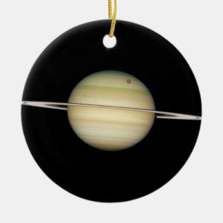 Lunas cuádruples de Saturn en tránsito Adorno Navideño Redondo De Cerámica
