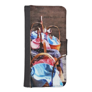 Lunch Basket in One Room Schoolhouse iPhone 5 Wallets