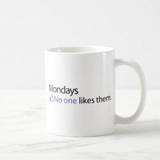 Lunes, nadie tienen gusto de ellos taza de café