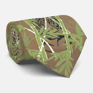 Lurker Tie