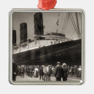 Lusitania Arrives New York City 1907 Metal Ornament