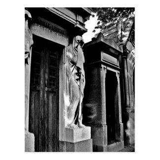 Luto en el cementerio postales