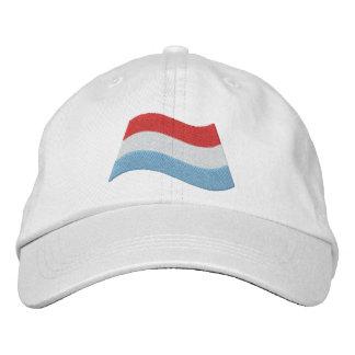 Luxemburgo señala por medio de una bandera gorro bordado