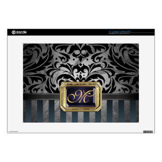 """Luxurious Black Damask Gold 15"""" Laptop Skin"""