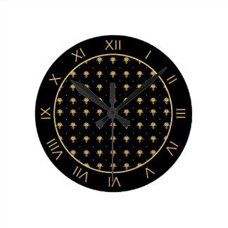 Luxury Black and Gold Vintage Damask Pattern Round Wallclock