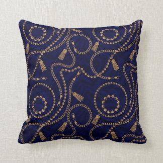 Luxury Elegant Black  Gold Chain Animal Ornament Throw Pillow