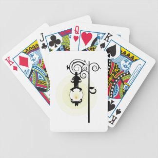 Luz de calle barajas de cartas