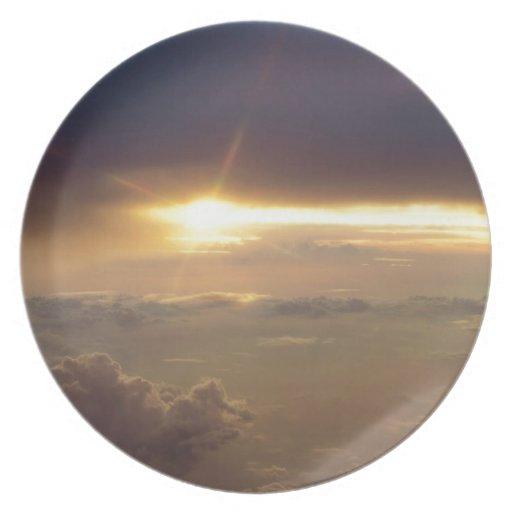 Luz de guía de la puesta del sol platos para fiestas