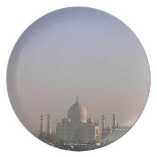 Luz de la madrugada en la bóveda del Taj Mahal Platos Para Fiestas