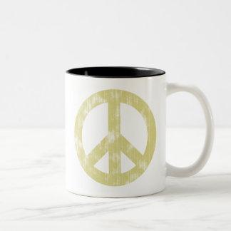 Luz del signo de la paz apenada taza de dos tonos