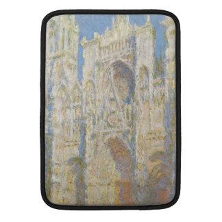 Luz del sol del oeste de la fachada de la catedral funda macbook air