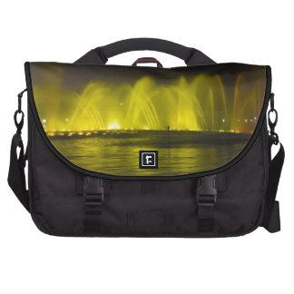 Luz-Demostración colorida del lago del oeste Bolsas Para Portátil