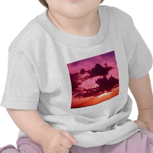 Luz espléndida de las nubes camiseta
