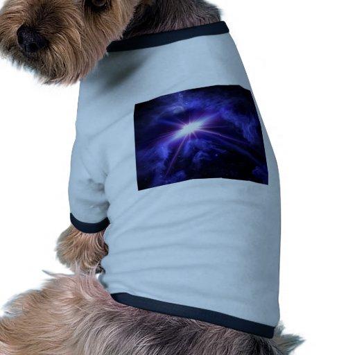 Luz impresionante del espacio ropa perro