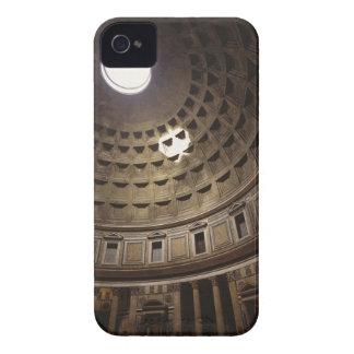 Luz que brilla con oculus en el panteón adentro iPhone 4 Case-Mate cárcasas