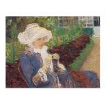 Lydia Crocheting en el jardín en margoso por Tarjetas Postales