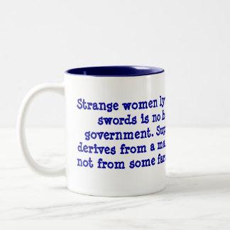Lyin extraño de las mujeres en espada del distribu tazas de café