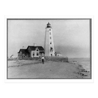 Lynde Point lighthouse, Old Saybrook, CT Vintage Postcard