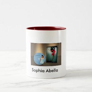 M3, Sophia Abella Taza Dos Tonos