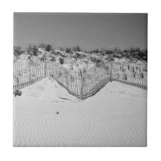 M black and white dunes tile