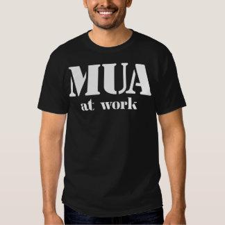 M.U.A. en el trabajo Playera