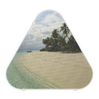 Maadugalla Island, North Huvadhoo Atoll, Bluetooth Speaker