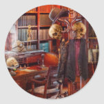 Macabro - en el estudio de los Headhunters Pegatina Redonda