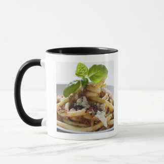 Macaroni with mince sauce and cheese mug