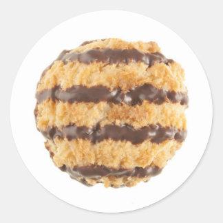 Macarrones de coco del chocolate pegatina redonda