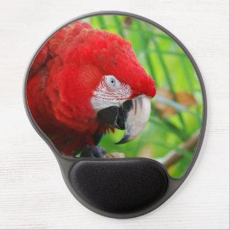 Macaw brillante del escarlata alfombrilla de raton con gel