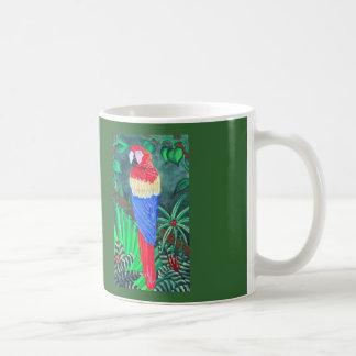 Macaw del escarlata 11 onzas. Taza blanca clásica