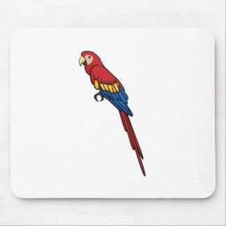 Macaw del escarlata tapetes de raton