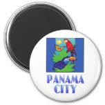 Macaw, loro, mariposa y selva CIUDAD DE PANAMÁ Iman De Nevera