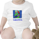 Macaw, loro, mariposa y selva SARASOTA Camiseta