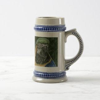 Macaw Stein del azul y del oro Jarra De Cerveza
