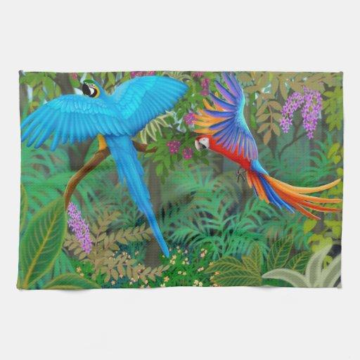 Macaws en toalla de cocina centroamericana de la