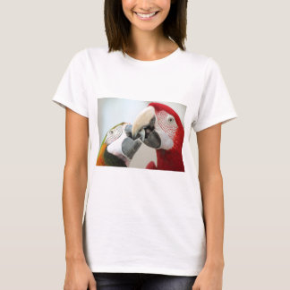 macaws kiss T-Shirt
