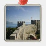 MACEDONIA, Ohrid. El castillo de Samoil del coche Ornamentos Para Reyes Magos