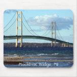 Mackinac-Puente-en-caída, puente de Mackinac, MI Alfombrilla De Ratón