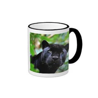 Macro de la pantera negra taza