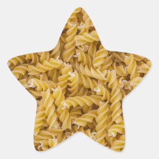 Macro de las pastas de Fusilli como estructura del Pegatina En Forma De Estrella