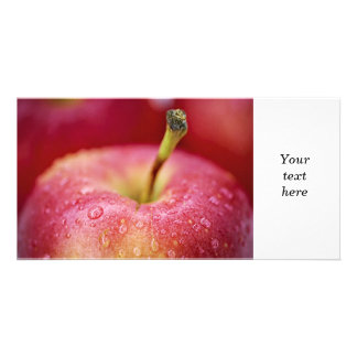 Macro roja de la manzana tarjetas fotográficas
