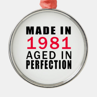 Made In 1986 Aged In Perfection Round Metal Christmas Ornament