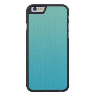 Madera azul del arce de Ombre de la aguamarina Funda De iPhone 6 Carved® Slim De Arce