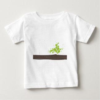 madera-con-verde-hoja playera para bebé
