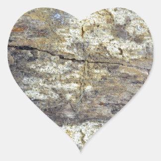 Madera fósil pegatina en forma de corazón