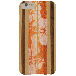Madera hawaiana de la tabla hawaiana de Haleiwa Funda De iPhone 6 Plus Barely There