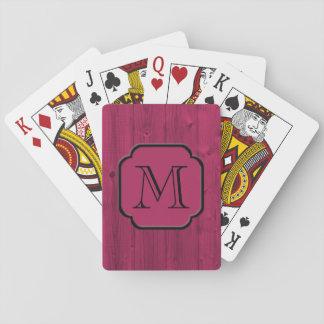 Madera pintada magenta fotorrealista, con baraja de póquer