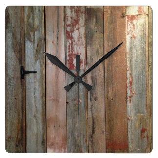 madera primitiva rústica del granero de la granja reloj cuadrado