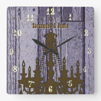 Madera púrpura rústica vieja de la lámpara reloj cuadrado